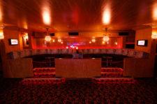 clubtour-booths04